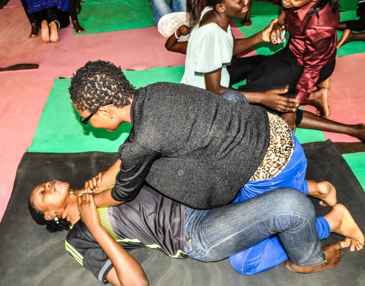 FitcliqueAfrica offers free Self Defense training for women for #16Days